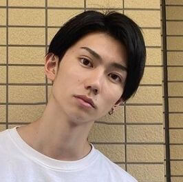 元Jリーグサッカーの育成選手の樋口晃平
