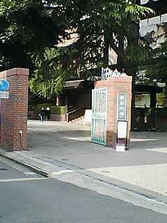 加藤史帆の出身大学と言われている目白短期大学